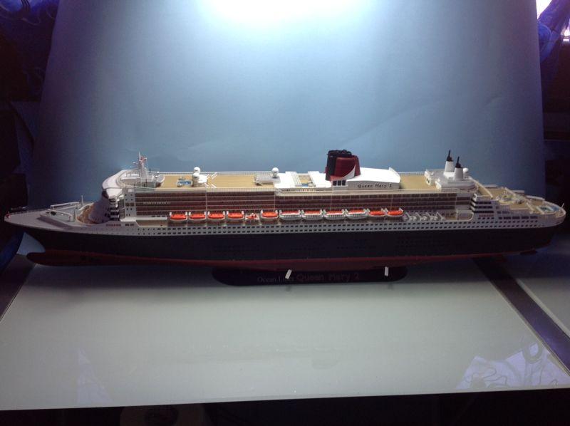 La queen mary 2 da kit revell scala 1 400 - Testo mary gemelli diversi ...